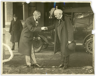 edison-ford-shaking-hands